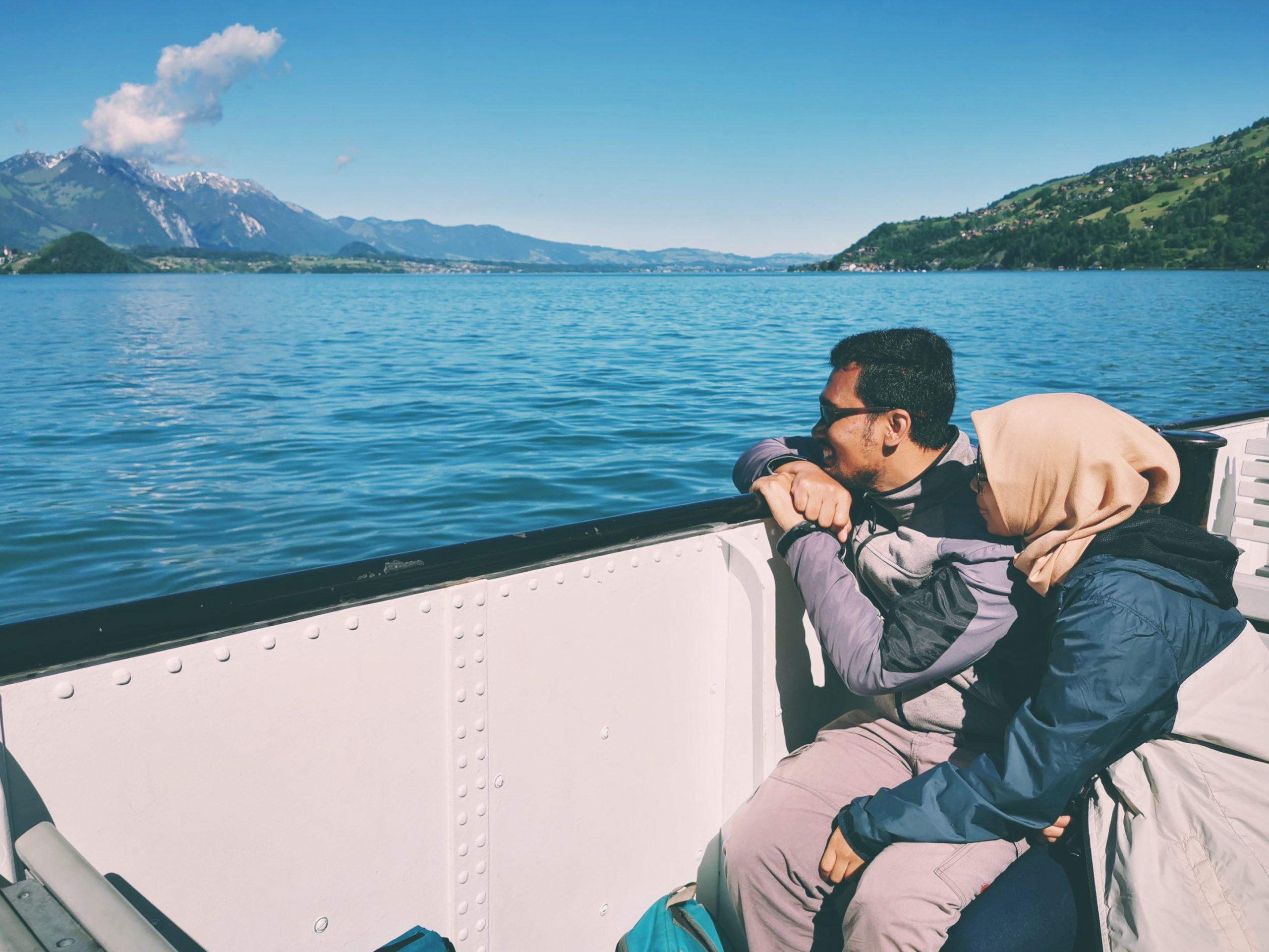 Sudah Pernah Bayangin Kalau Jack dan Rose Bukan Naik Titanic, tapi Kapal dari Thun ke Interlaken?